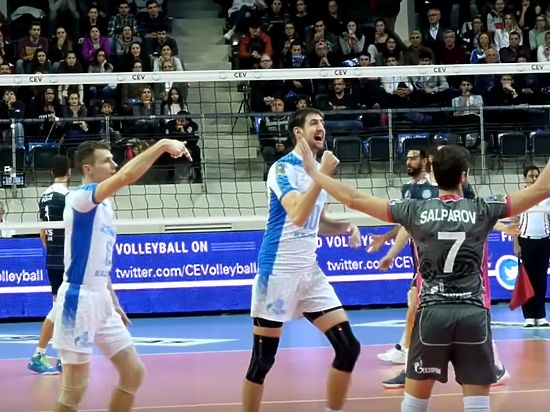 Казанский «Зенит» разгромил турецкий «Аркас» врамках волейбольной Лиги чемпионов