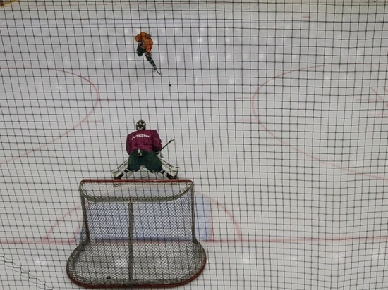 «Магнитка» обыграла «АкБарс» впервом матче финала Восточной конференции КХЛ