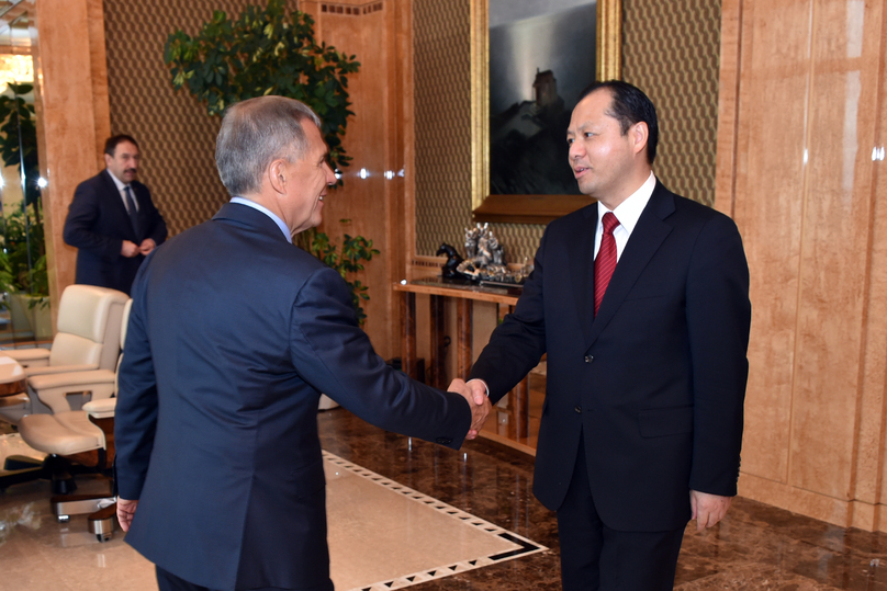 Минниханов вКазани встретился сгенконсулом Китайская народная республика вКазани