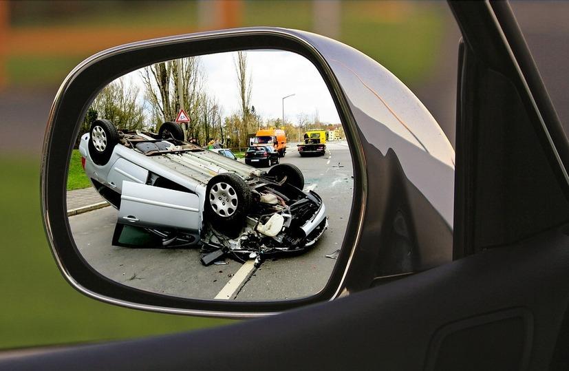 ВТатарстане перевернулся легковой автомобиль: четверо пострадали, один умер