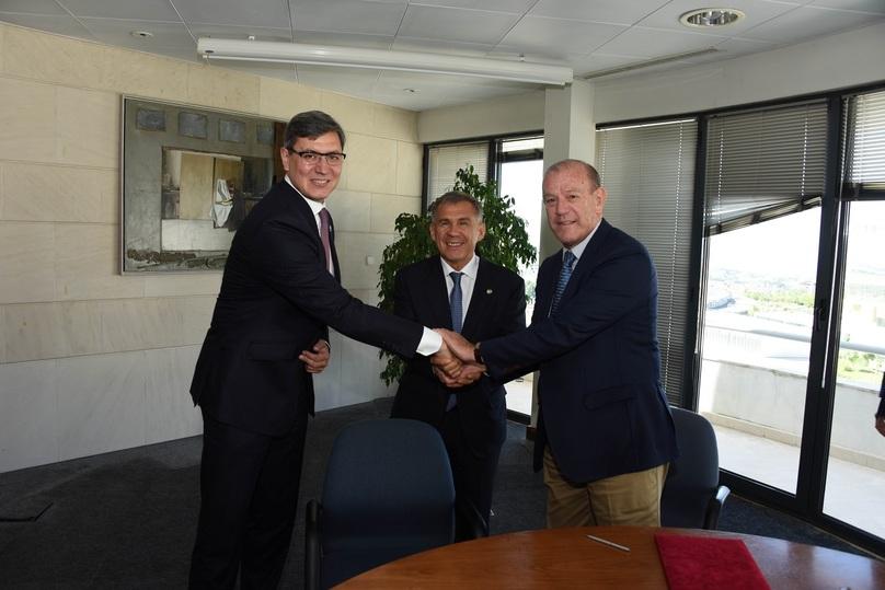 Минниханов позвал португальские компании вТатарстан