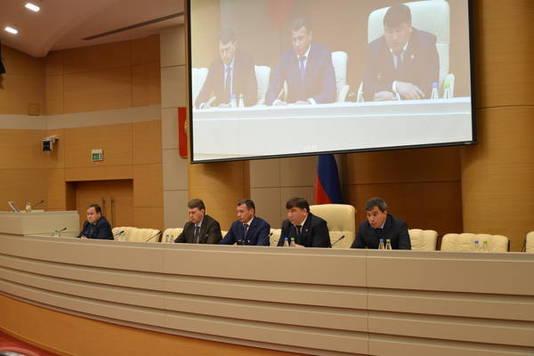 Настроительство сельских дорог в этом 2017-ом году Татарстан получит 600млнруб.