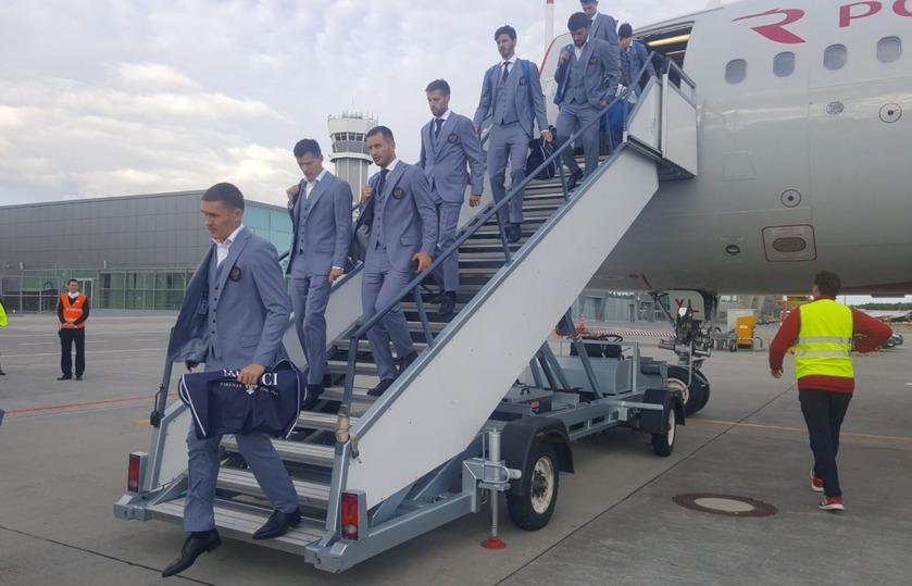 Футболисты сборной РФ  вылетели из столицы  вКазань
