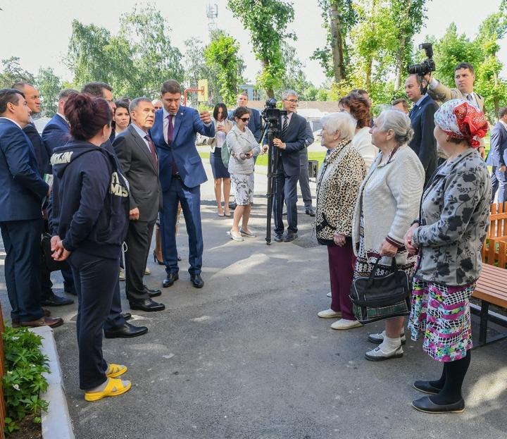Рустам Минниханов открыл неповторимый центр томотерапии вКазани