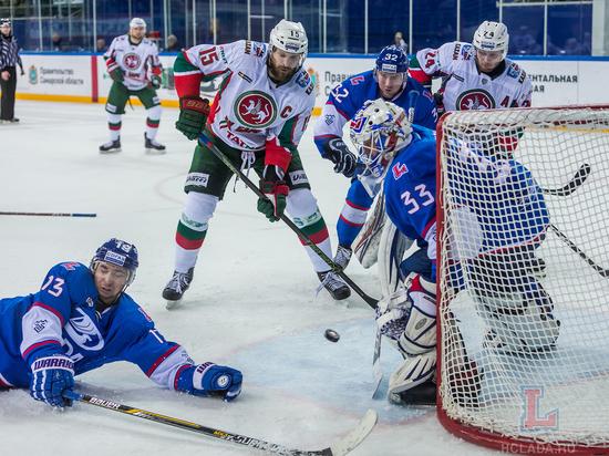 «Лада» потерпела девятое поражение подряд вматчах КХЛ, проиграв «АкБарсу»