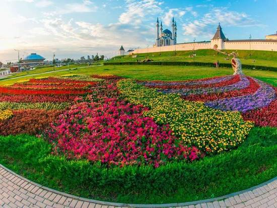 Казань цветет, но не пахнет
