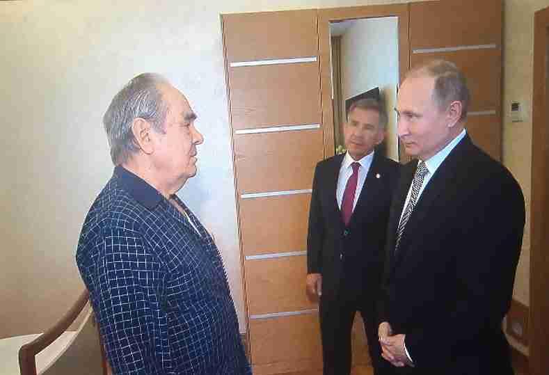 Владимир Путин навестил в клинике экс-главу Татарстана Минтимера Шаймиева