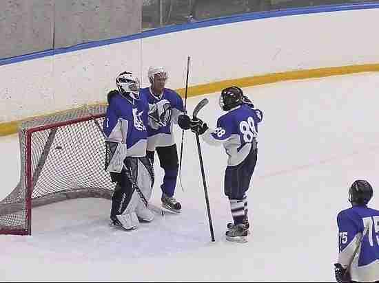 Наказаны хоккеисты из Набережных Челнов, избившие арбитра во время матча
