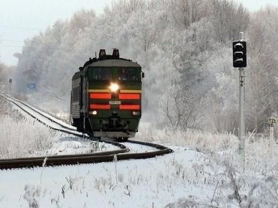 ВТатарстане охранник поезда изБашкирии умер при попытке пролезть под вагоном