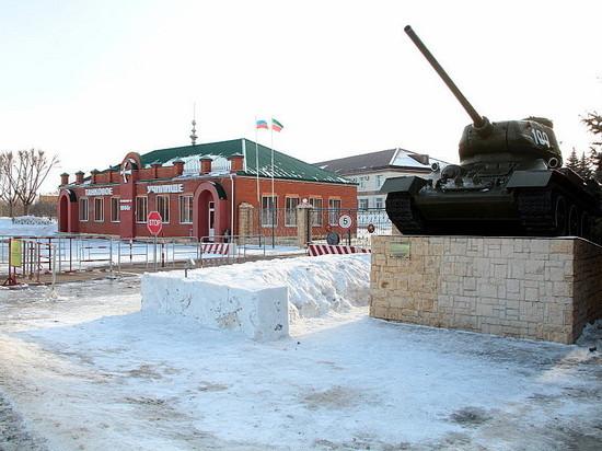 Курсанты Казанского танкового училища «нарисовали» танками на снегу сердце