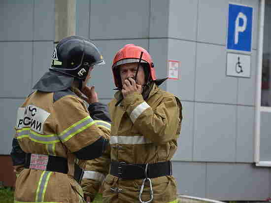 В Лениногорске сотрудники МЧС спасли мужчину при пожаре