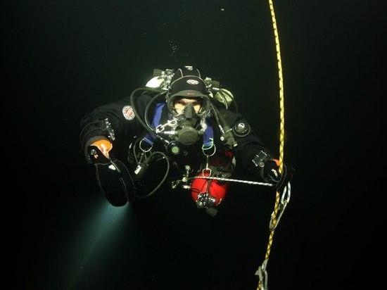 Подводный научно-исследовательский отряд начнет подготовку к 6-часовому погружению под лед