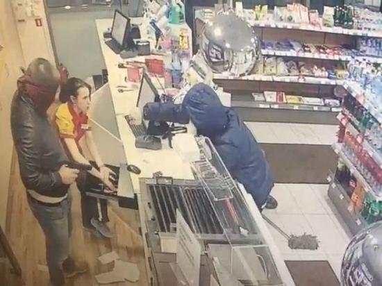 ВКазани задержали 2-х налетчиков наАЗС