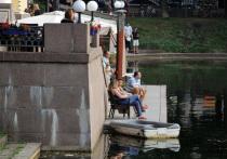 После очередного исчезновения «булгаковский» знак на Патриарших прудах признали скульптурой